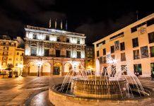 Visita al monumento del ayuntamiento de Castellon