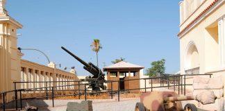 Visita el museo de historia militar en Castellon